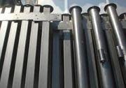 Столбы металлические с планкой или с крючком для забора